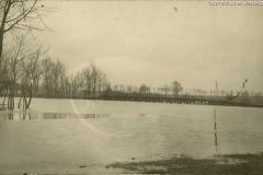 Wislica, Wiedererbaute Brücke über die Nida