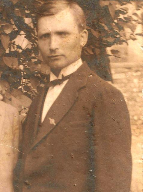 Adam Wiek. Fotografia z prywatnego archiwum rodziny Wieków z Wiślicy